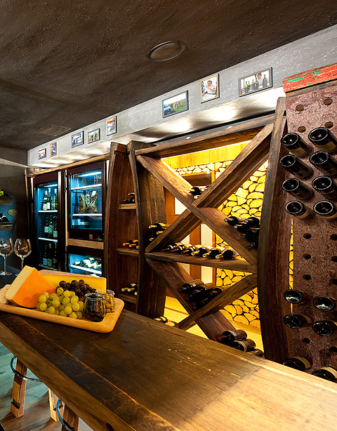 Wine Cellar & Bar